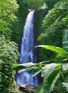 водопады бали